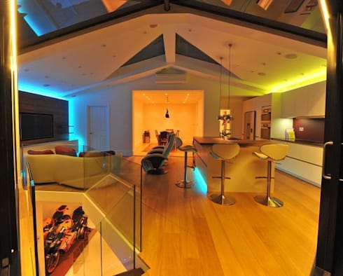 Semi-detached glory hole: modern Kitchen by Paul Wiggins Architects