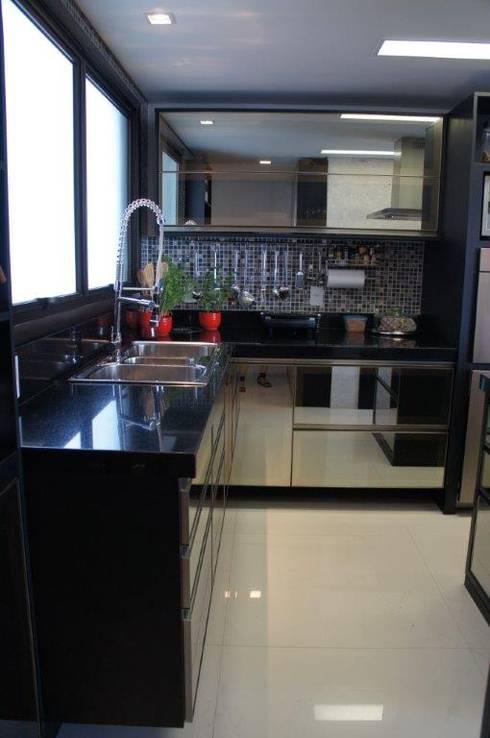 Cozinha: Cozinhas modernas por Triple Arquitetura