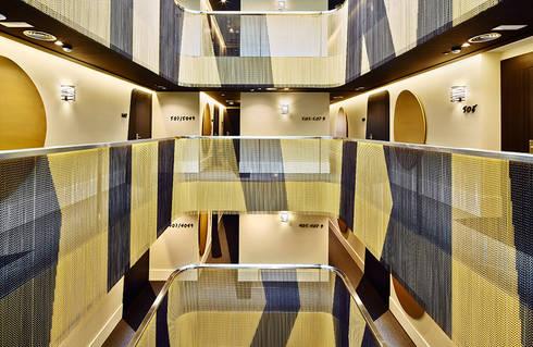 VINCCI GALA HOTEL:  de estilo  de KriskaDECOR