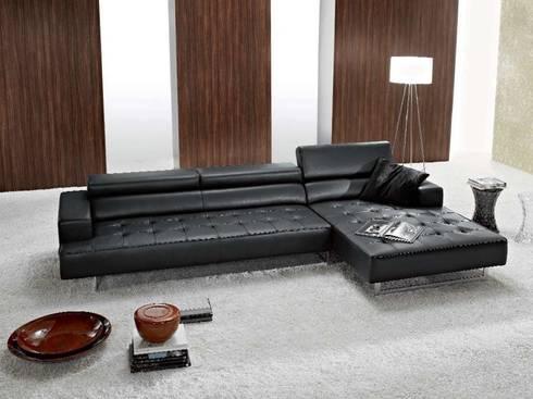 Sofá Chaise Longue 3 Plazas Málaga: Salones de estilo moderno de Ámbar Muebles