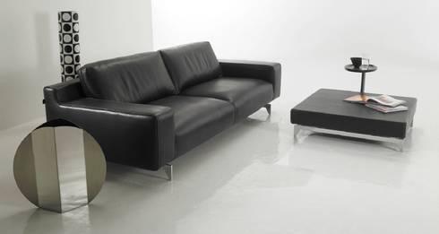 Sofá de diseño Altair de 3 plazas : Salones de estilo moderno de Ámbar Muebles