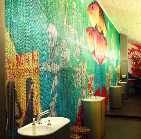 WAHACA RESTAURANT: Bares y Clubs de estilo  de KriskaDECOR