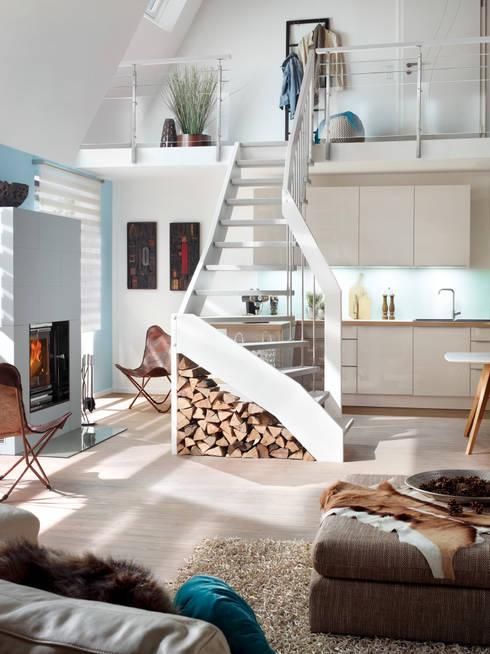 Bucher-Treppe:  Flur, Diele & Treppenhaus von Besser Treppen GmbH