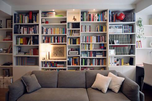 Libreria: Soggiorno in stile in stile Moderno di Filippo Colombetti, Architetto
