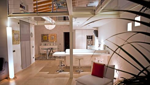 Loft in Milan: Soggiorno in stile in stile Moderno di Studio Arkimode