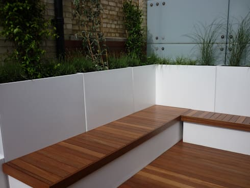Roof terrace 1:  Terrace by Paul Newman Landscapes