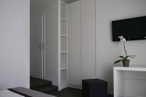Affittacamere Porta Pia:  in stile  di Km0 Architetti