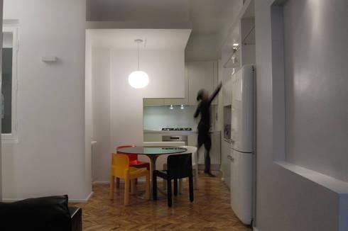 Appartamento Colle Oppio:  in stile  di Km0 Architetti