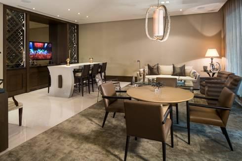 SALA COMEDOR: Salas de estilo moderno por Rousseau Arquitectos