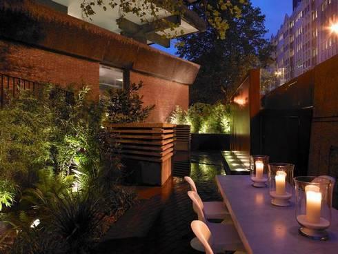 Natural retreat: modern Houses by SB design Studio