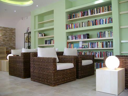 Hapimag resort: Studio in stile in stile Moderno di Laura Marini Architetto