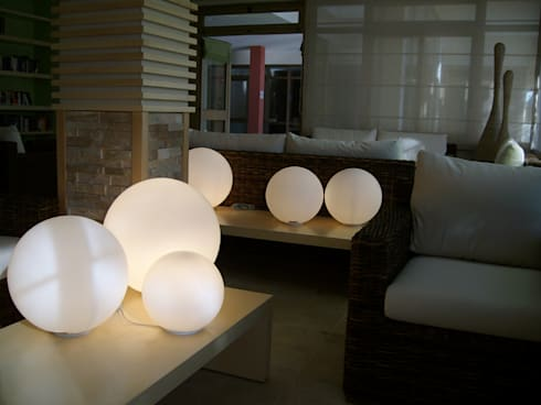 Hapimag resort: Sala multimediale in stile  di Laura Marini Architetto