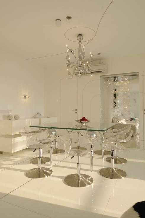 modern Dining room by Mybeautifulife