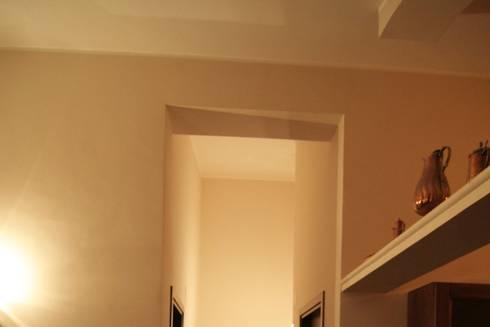 La <q>Faveur</q>: Ingresso & Corridoio in stile  di Marco Maria Statella - Architect