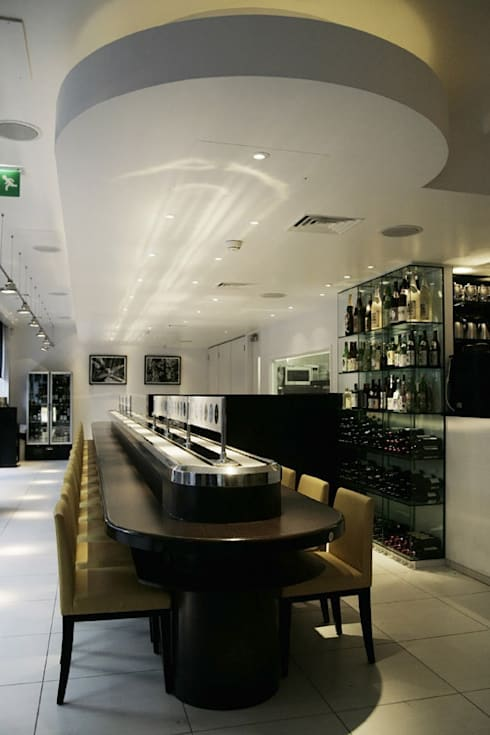 Sushi Restaurant in the City:  Commercial Spaces by NSDA