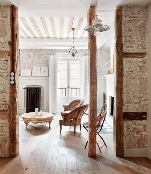 classic Living room by Simetrika Rehabilitación Integral