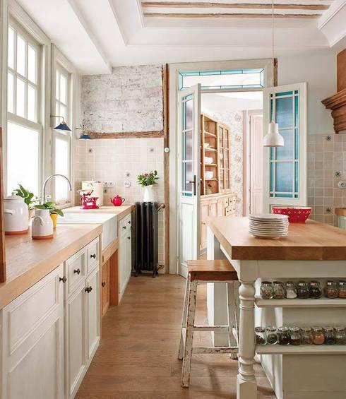 eclectic Kitchen by Simetrika Rehabilitación Integral