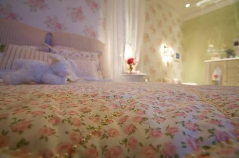 Casa Cor - Suite da menina - Projeto: Patrícia Novoa: Quarto infantil  por Patricia Novoa