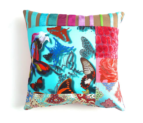 Balii luxury patchwork cushion: eclectic Living room by Suzy Newton Ltd.