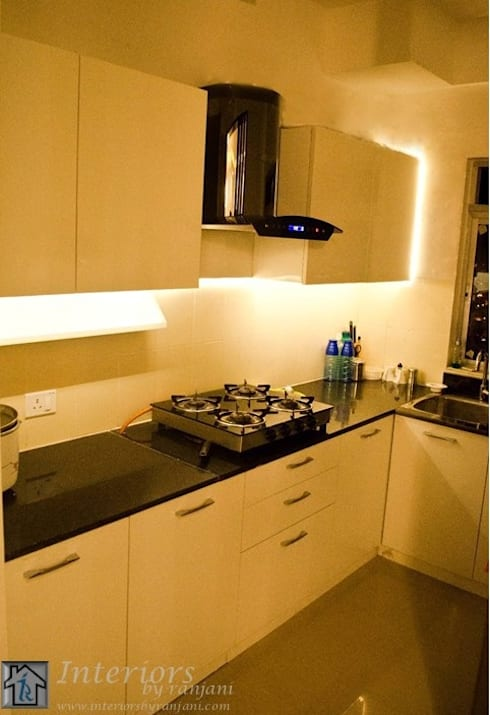 Rajshree Sanjay-NeoTown, EC: modern Kitchen by Interiors by ranjani