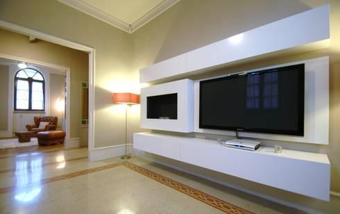 Ristrutturazione di villa del XX secolo, Foligno (PG): Case in stile in stile Classico di Fabricamus - Architettura e Ingegneria
