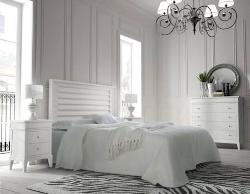 Dormitorio Vintage Blanco: Dormitorios de estilo  de Paco Escrivá Muebles