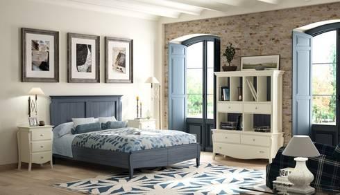 Dormitorio Vintage Mediterráneo: Dormitorios de estilo  de Paco Escrivá Muebles