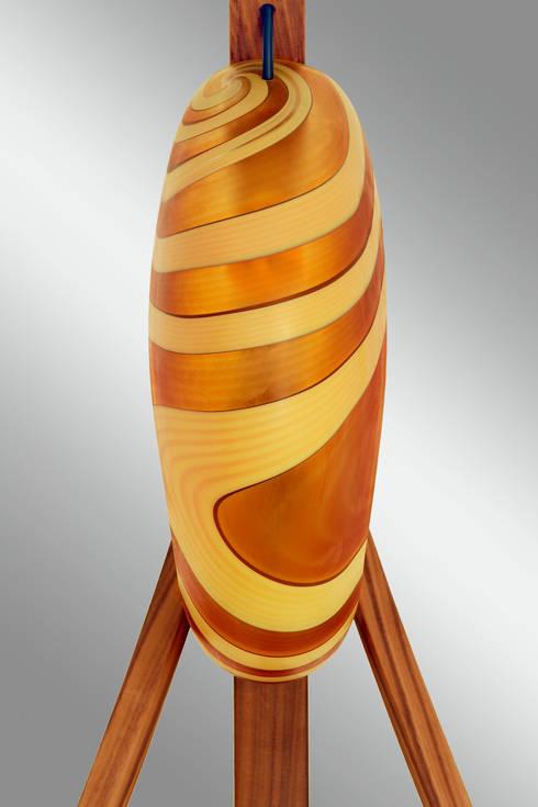 Lampada Spinnaker - Dettaglio del vetro di fronte: Soggiorno in stile  di DIMISCO