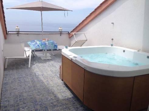 RISTRUTTURAZIONE HOTEL SAN PAOLO : Hotel in stile  di SUPER BLOC SRL