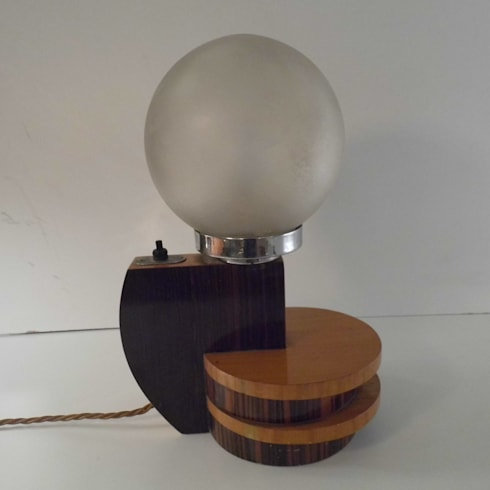 Art Deco Lamp: minimalistic Living room by Travers Antiques