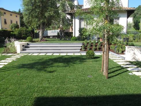 Giardino privato di studio progetto giardino homify - Progetto giardino privato ...