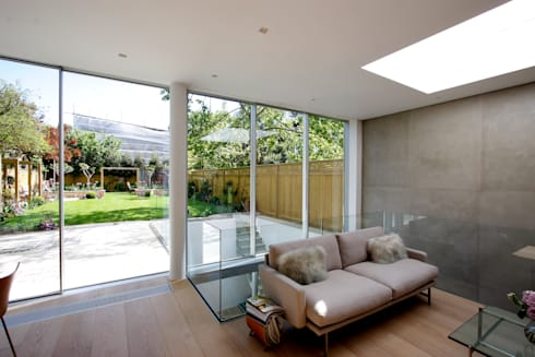 Herondale: modern Living room by IQ Glass UK