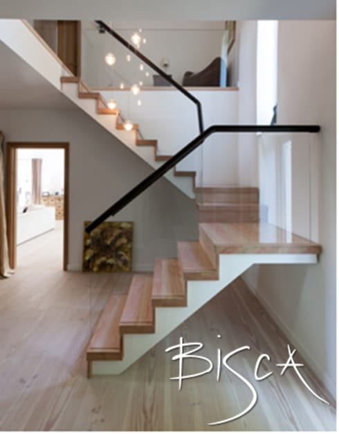 Low iron glass balustrade:  Corridor & hallway by Bisca Staircases