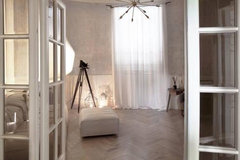 Serena & Guido Apartment: Case in stile  di AR.KEY STUDIO