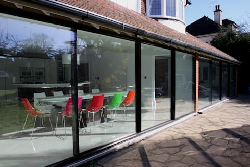 Burdon Lane: modern Dining room by IQ Glass UK