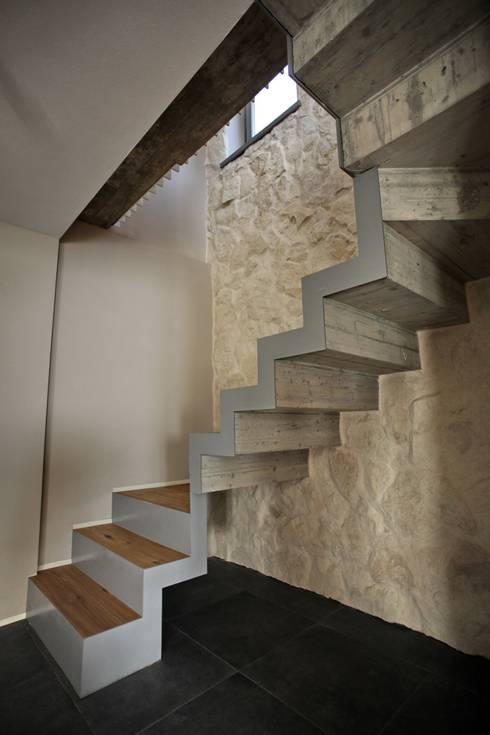 RESIDENZA NEL PARCO: Case in stile in stile Moderno di luca pedrotti architetto