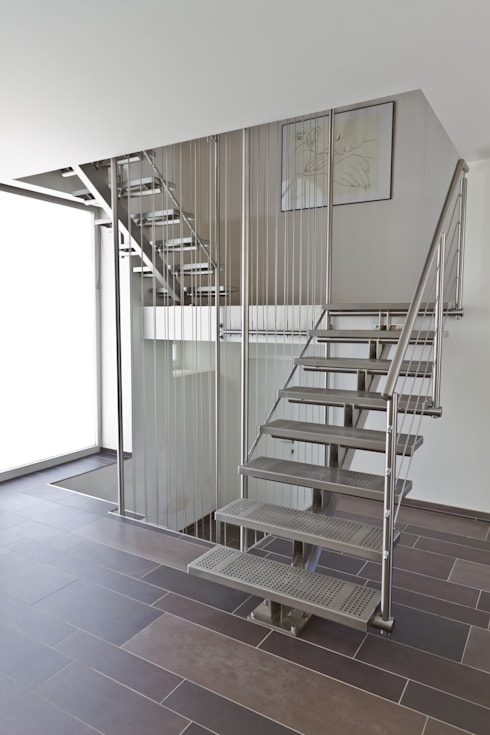 Novum ART-TEC GmbH의  복도, 현관 & 계단