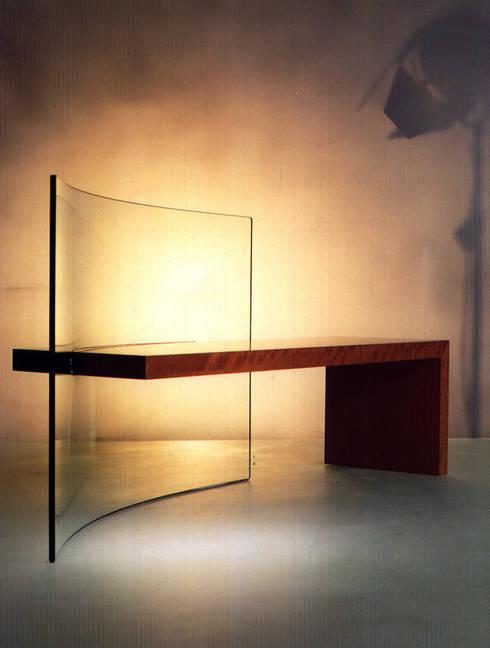 PANCA: Ingresso, Corridoio & Scale in stile in stile Minimalista di Barbero Design di Fabrizio Barbero