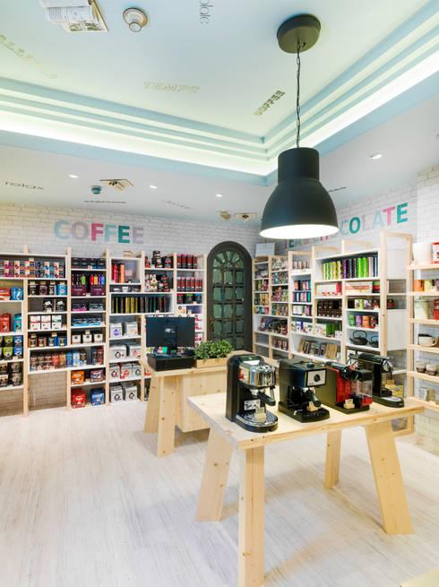 MONKAFE: Espacios comerciales de estilo  de margarotger interiorisme