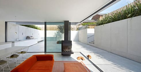 The Garden House: modern Houses by IQ Glass UK