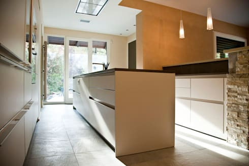 Cucina: Cucina in stile in stile Moderno di Studio 06