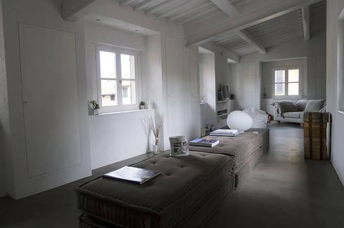 Casa privata:  in stile  di gliarchitettiassociati