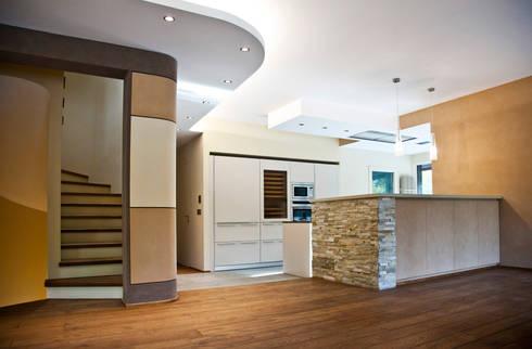 Zona Giorno: Cucina in stile in stile Moderno di Studio 06
