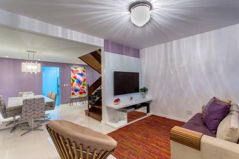 Sala Estar/ Jantar: Salas de estar clássicas por Milla Holtz Arquitetura