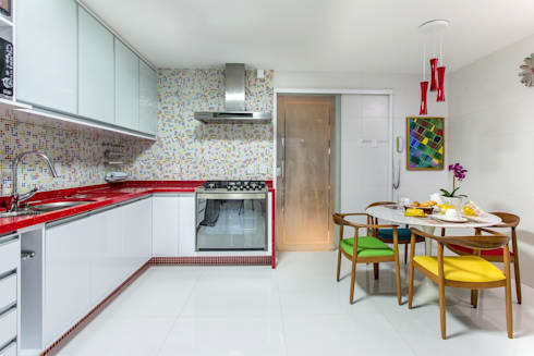 Cores: Cozinhas modernas por Bruno Sgrillo Arquitetura