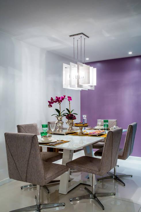 Sala de Jantar: Salas de jantar modernas por Bruno Sgrillo Arquitetura