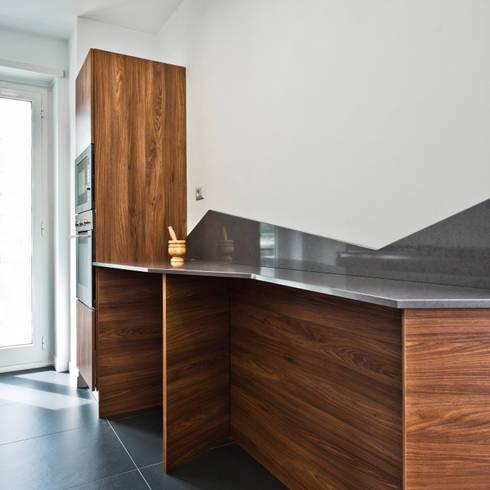 casa CB:  in stile  di Elena Stolfi Architetto