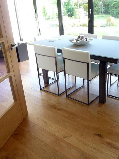 ST ALBANS UK - UNFINISHED SOLID OAK:  Walls & flooring by Fine Oak Flooring Ltd.