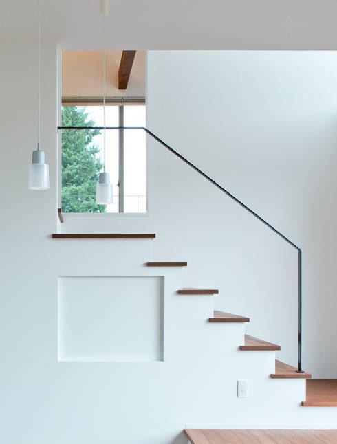 階段: 株式会社 mA建築計画工房が手掛けた廊下 & 玄関です。
