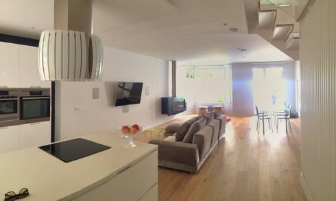Aravaca:  de estilo  de Habitación 8 Estudio de Arquitectura